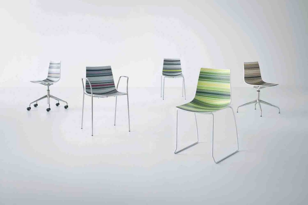 Colorfive 5R, Chair design, metal base with wheels, multicolored shell