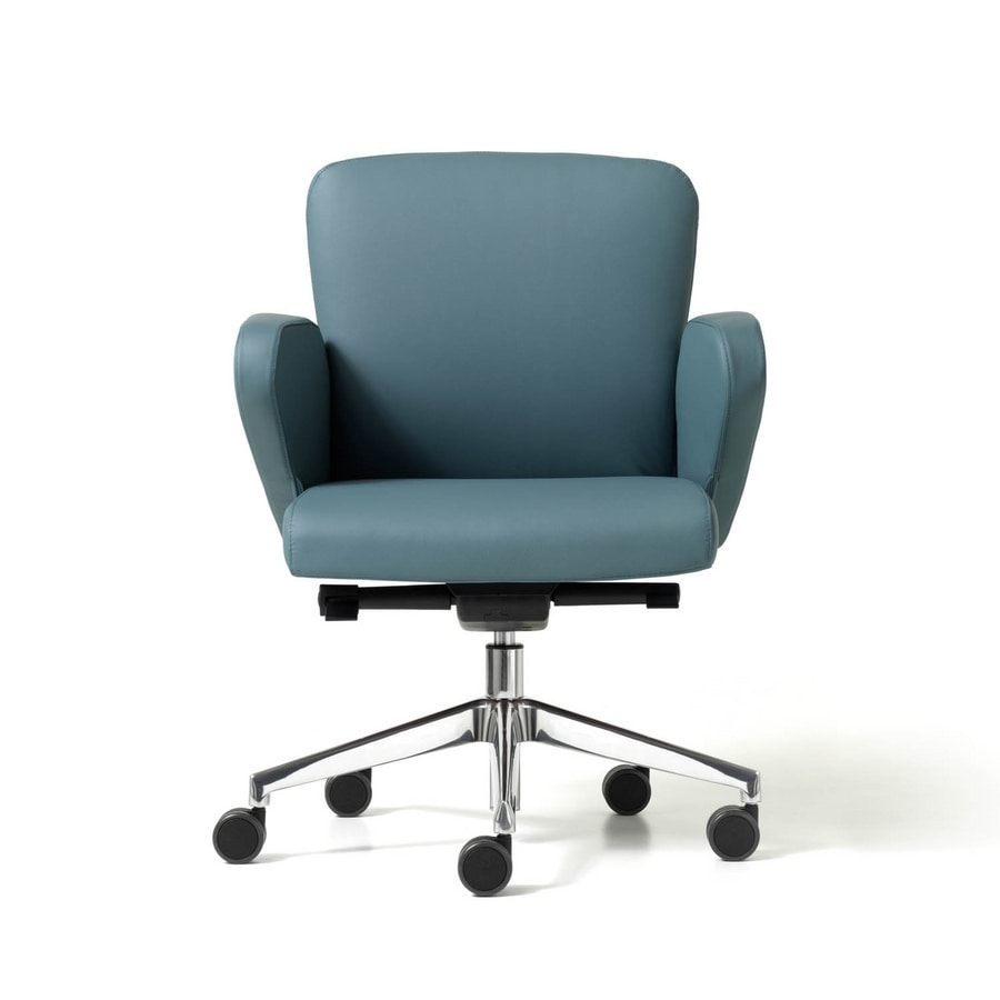 Halfpipe visitor gas, Office chair with metal base on wheels, working area