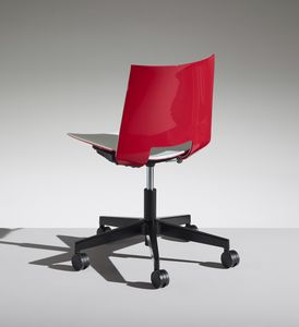 HL3 4, Chair with 5 spokes on wheels for office