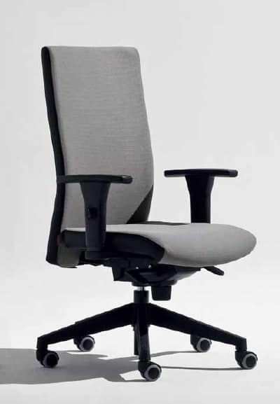 Lora-PB, Office chair with T-shaped armrests