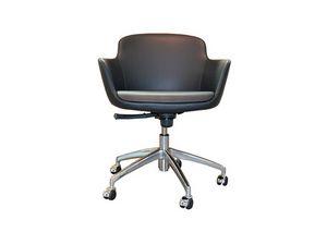 Oasi r, Swivel chair on wheels