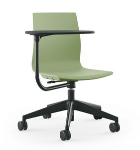 Q3, Height-adjustable chair on wheels