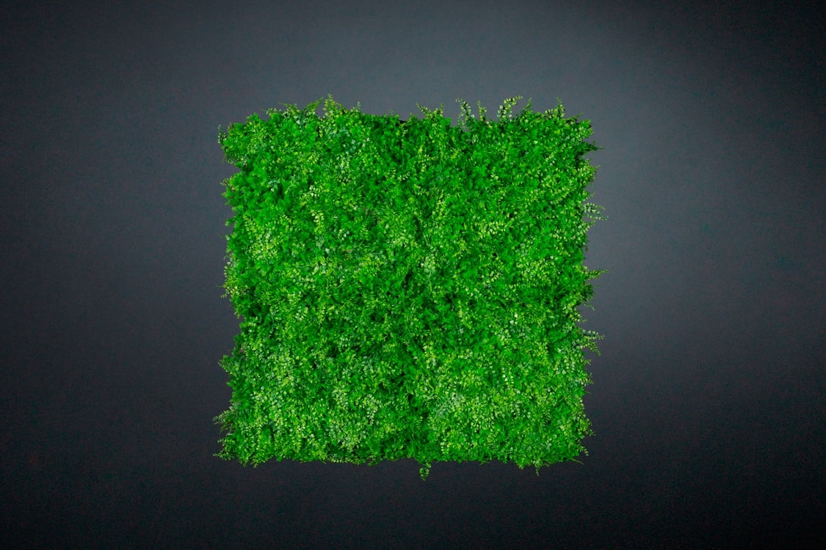 Tundra, Synthetic hedge for indoors and outdoors