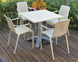 Open, Stackable chair for outdoors, with vertical slats motif