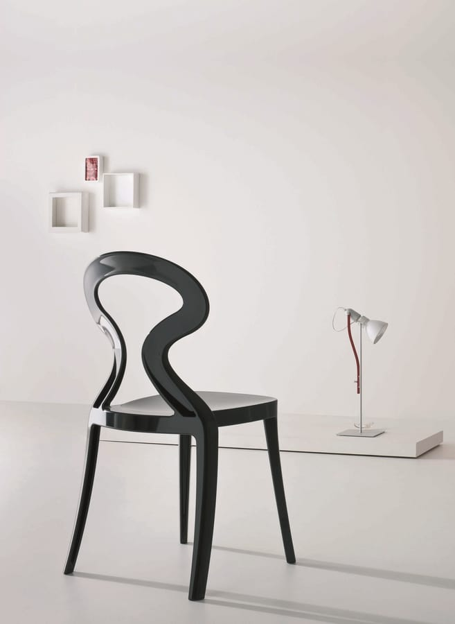 Anita, Chair in polymer with soft lines, for outdoors