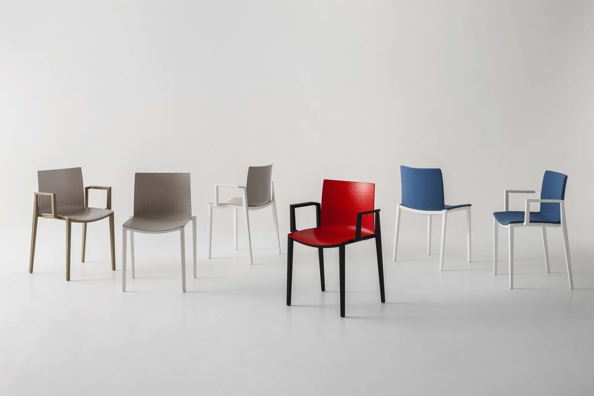 Clipperton B, Stackable chair with armrests