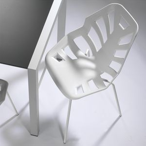 Ninja NA, Polymer chair, painted metal base, for outdoors