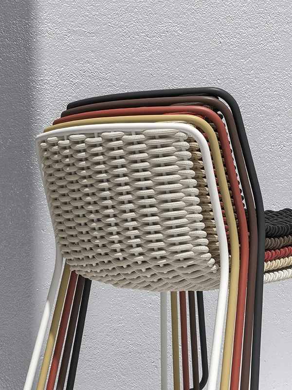 Randa, Painted metal chair, twisted shell, for externs