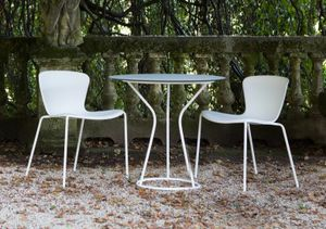Solea, Outdoor chair with a soft and embracing line