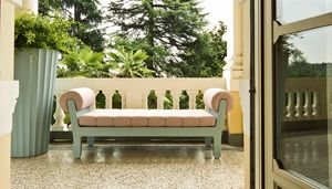 Belle Etoile, Outdoor sofa with neoclassical design