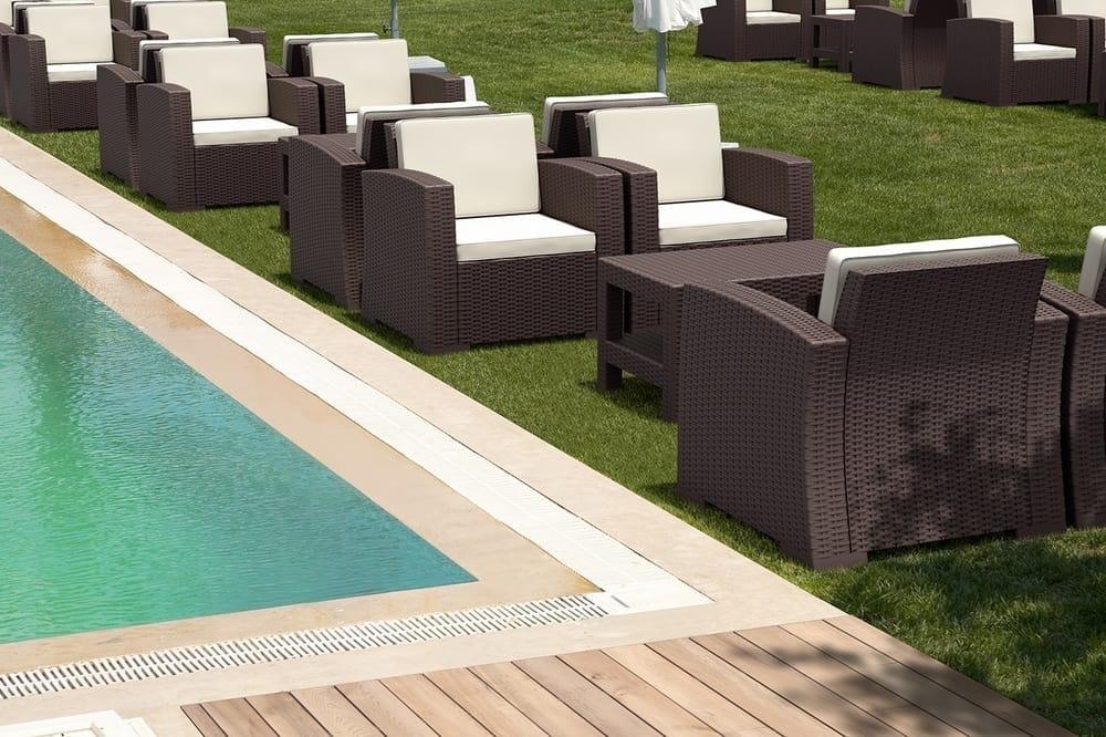 Man, Garden set for restaurants and hotels