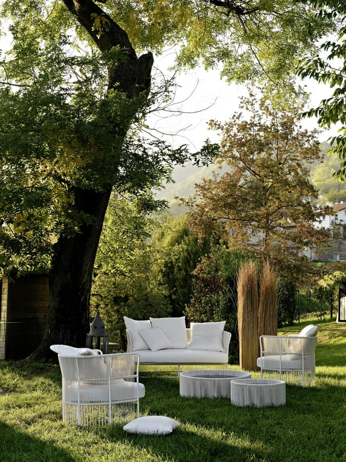 Tibidabo low sofa, Sofa in metal, woven, with cushions, for outdoor use