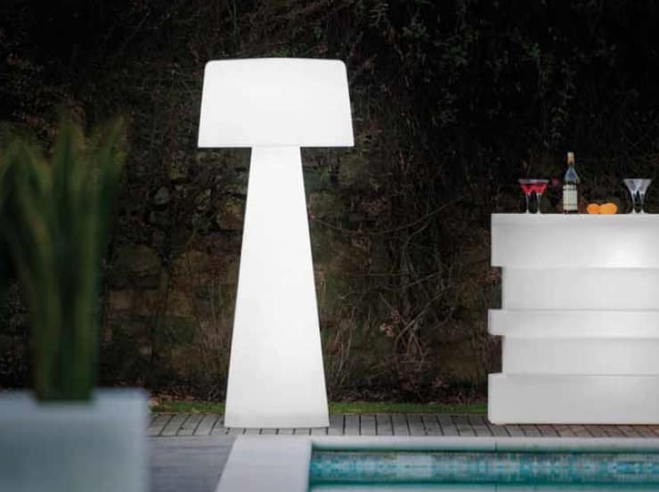 Time Out, Outdoor polyethylene lamp