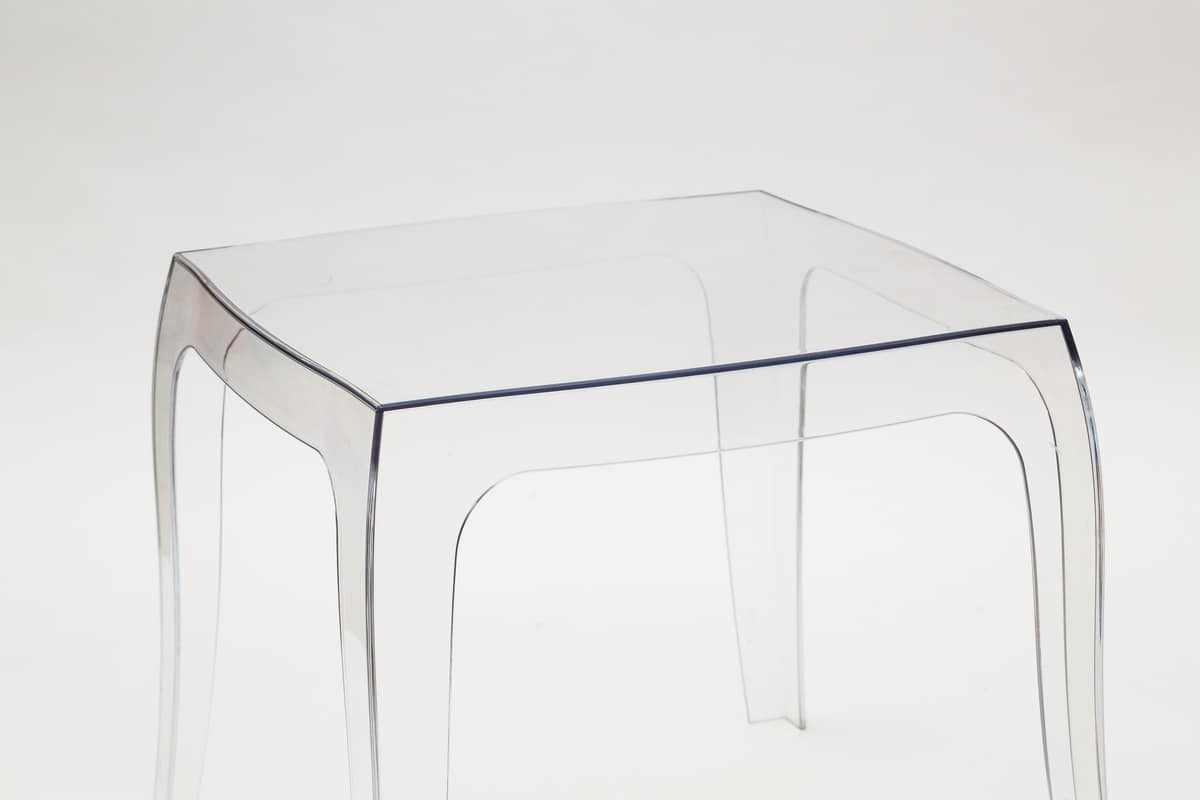 Art. 038/T Baby, Small table in transparent polycarbonate, suitable for various situations