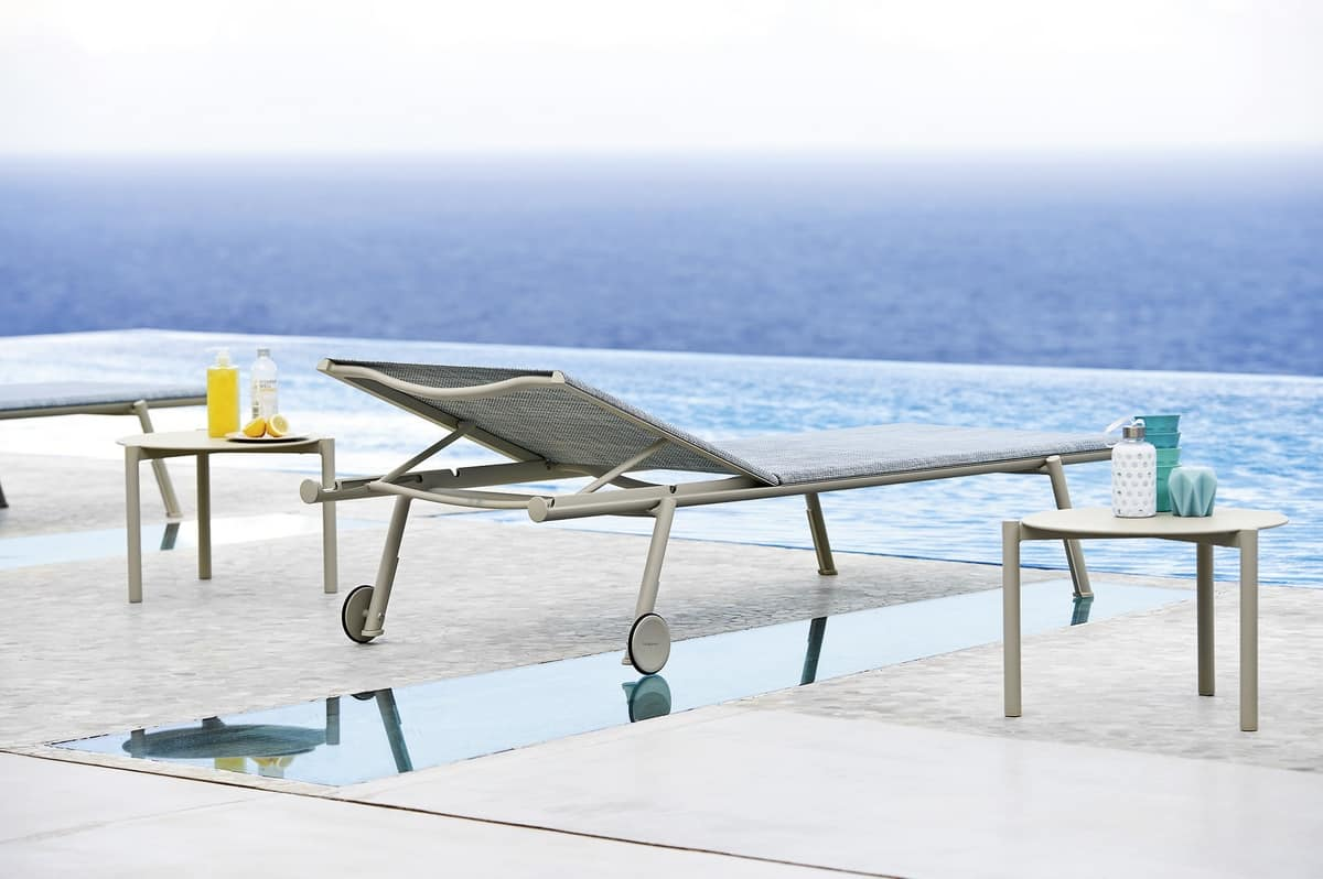 Bahia coffee table, Round stackable coffee table in aluminium for outside