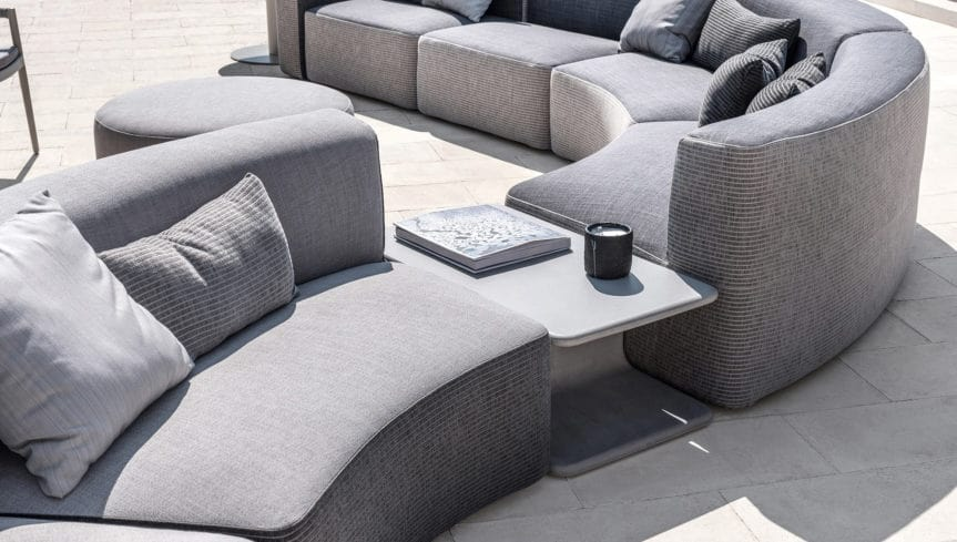 Belt coffee table in concrete, Outdoor concrete side table