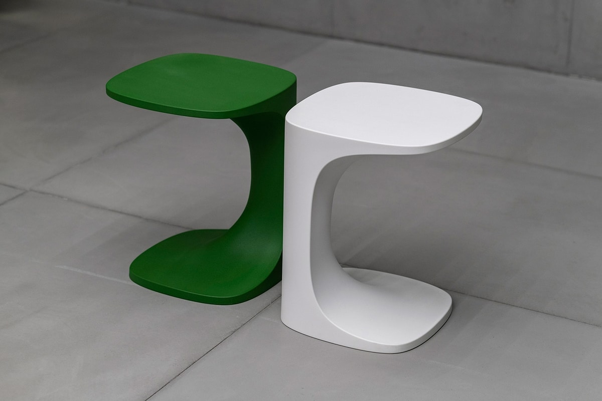 Font outdoor, Outdoor small table