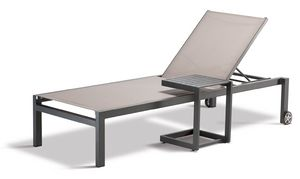 FT SANTIAGO, Outdoor table with non-slip feet