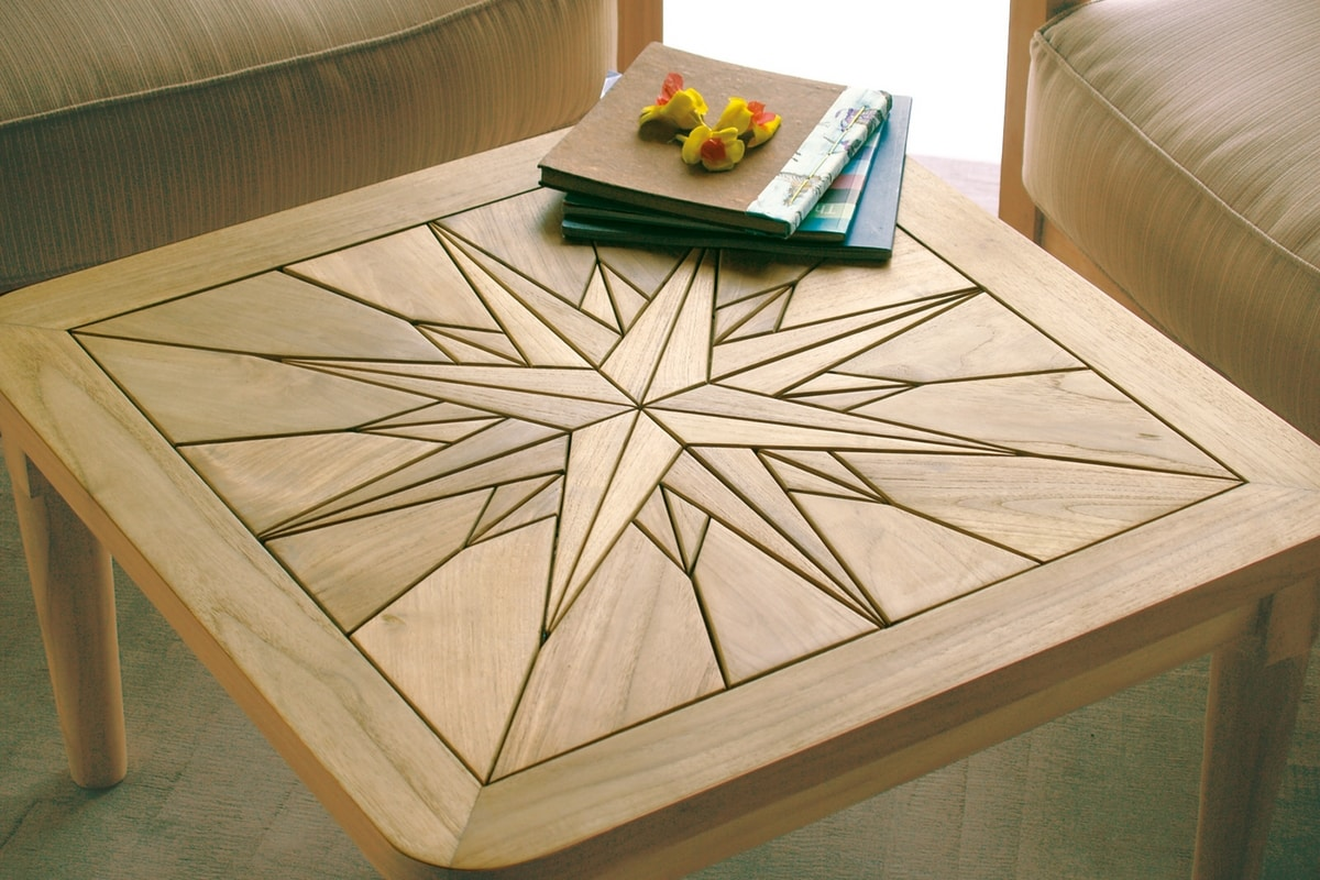 Saint Laurent 0449, Wooden coffee table, top with wind rose