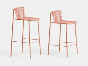 3667 3668 Tribeca, Outdoor metal stools