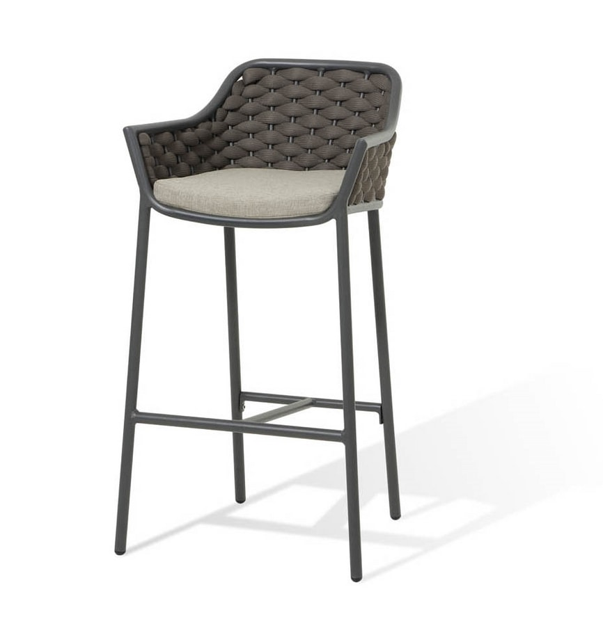 Love SG, Braided outdoor stool
