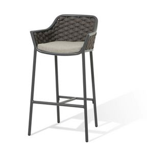 Love SG, Braided outdoor stool