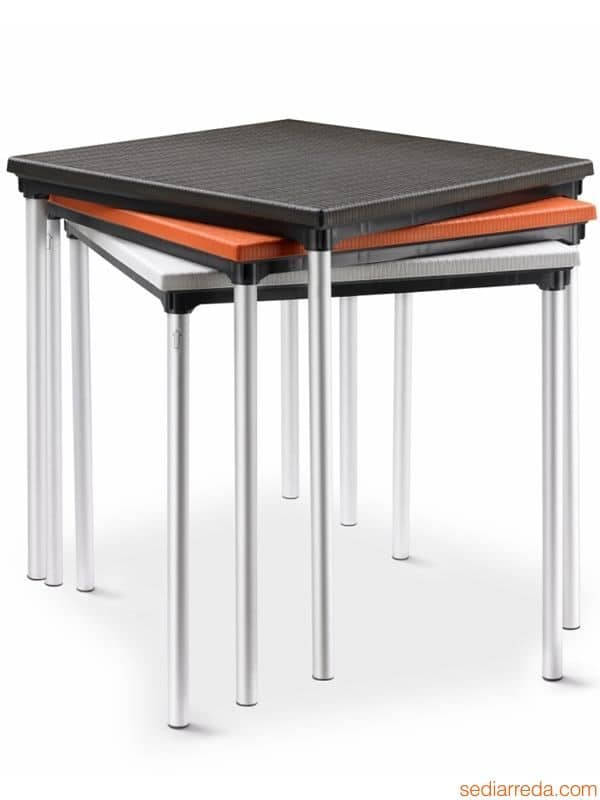 Sovrapponibil, Outdoor table in aluminium and polypropylene, stackable