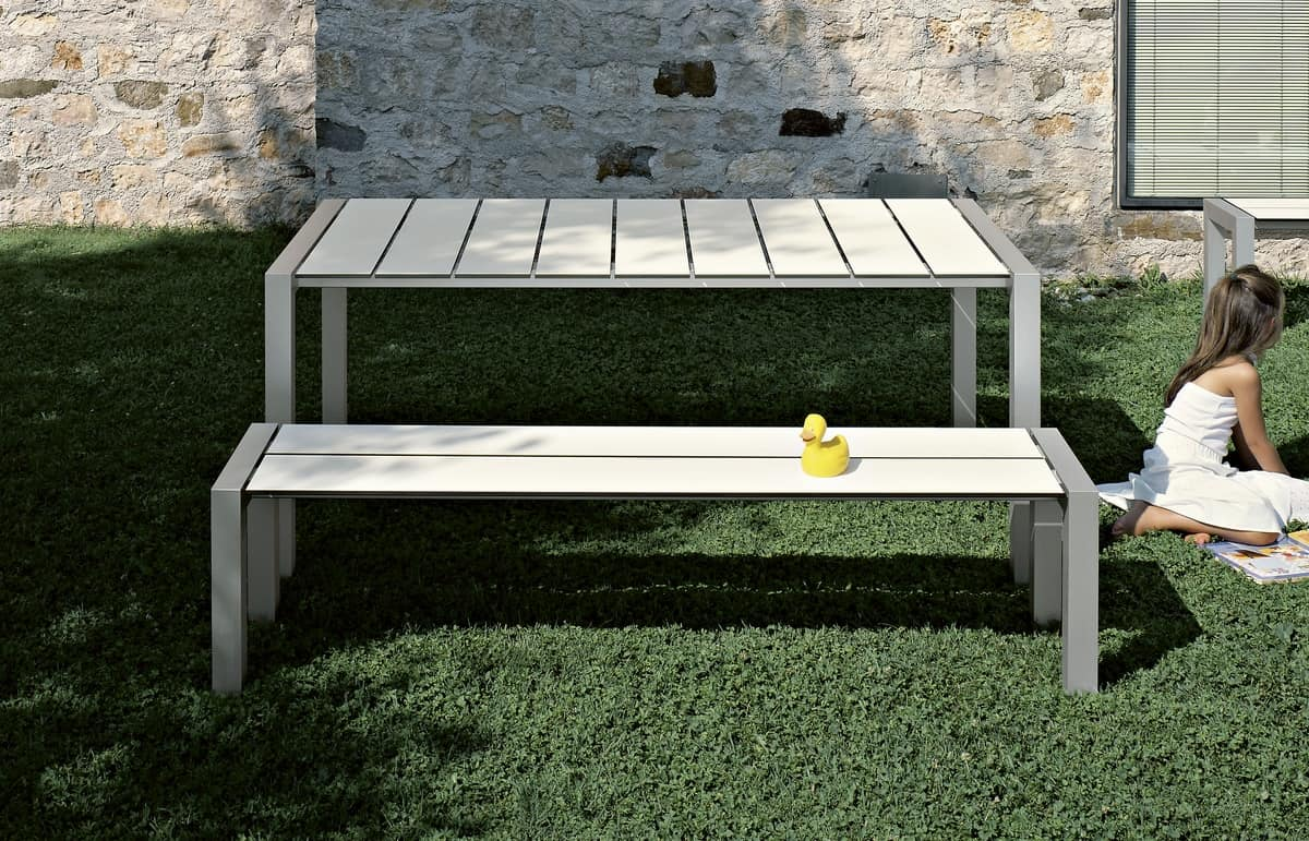 Sushi Slatted Outdoor, Table with aluminum legs and slatted laminate top