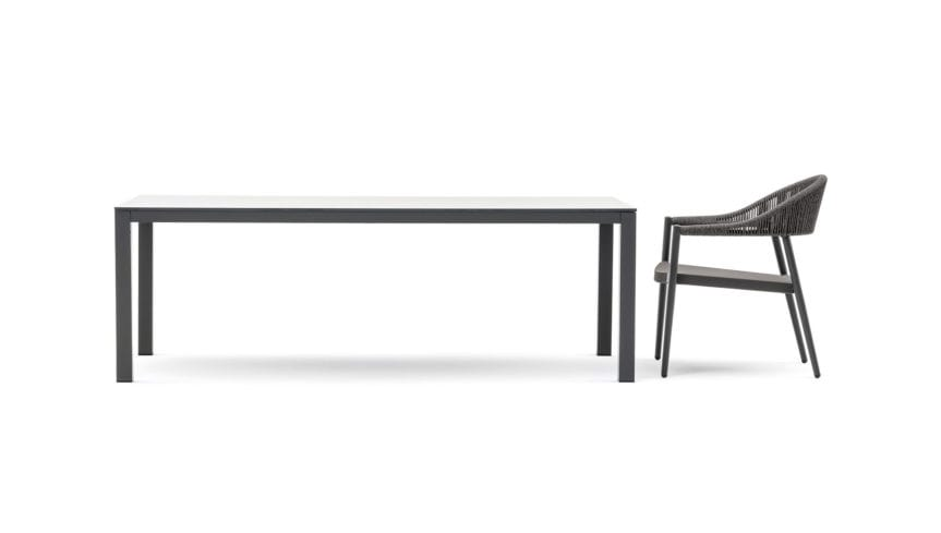 Victor low, Outdoor dining table