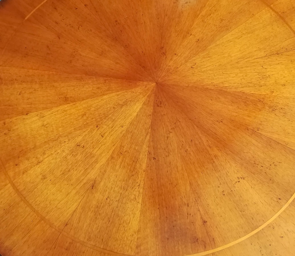 Achille FA.0112, Round table in English style