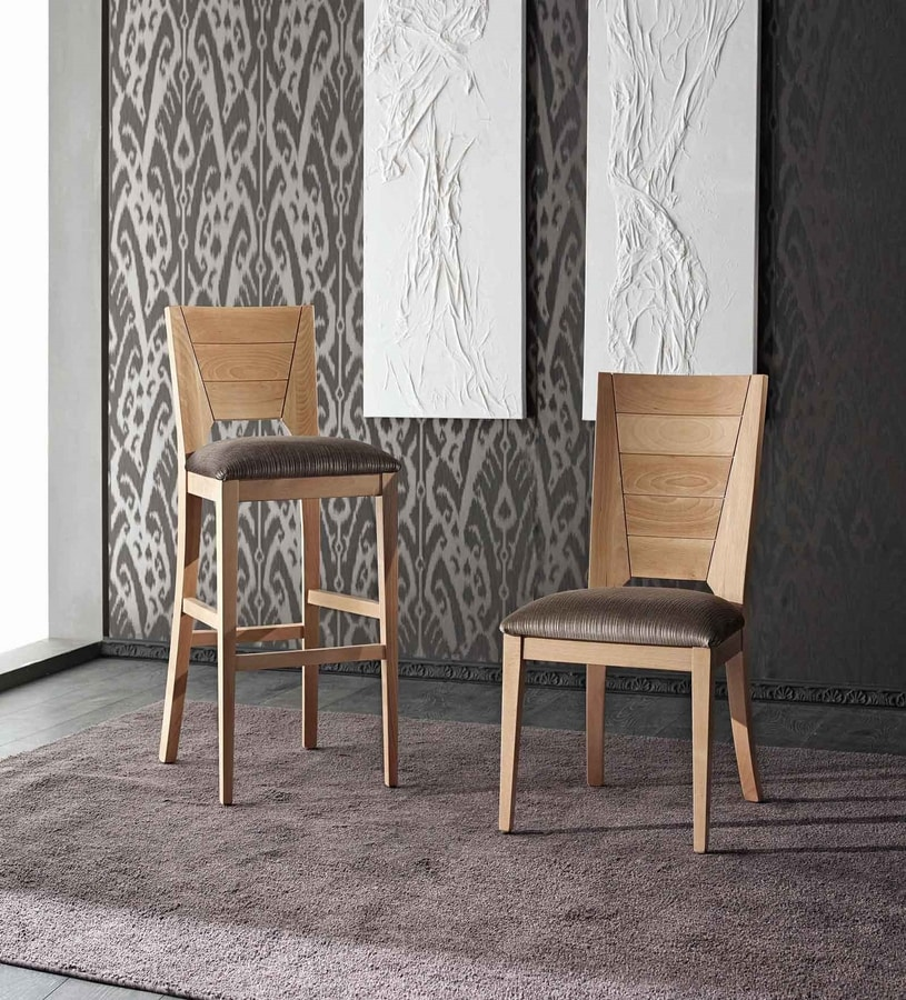BS133B - Stool, Stool in solid beech wood