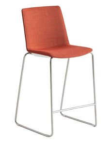 Jubel Stool Up, Padded stool for outdoor use
