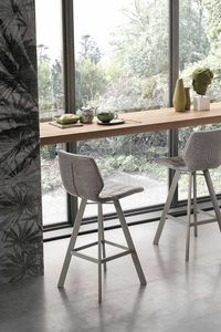 SANTIAGO PLUS SG196, Modern stool with shaped shell
