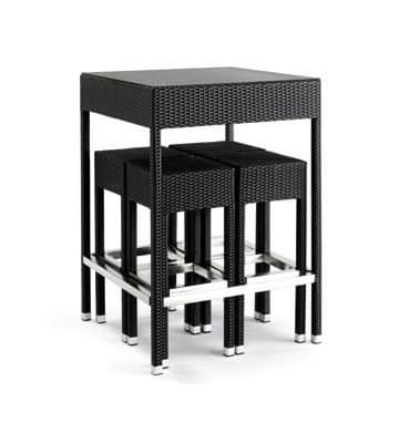 Outdoor set, Woven Barstools and table for outdoor use, glass top