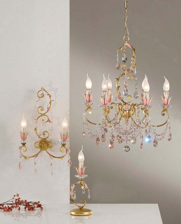 98116, Chandelier with classic design
