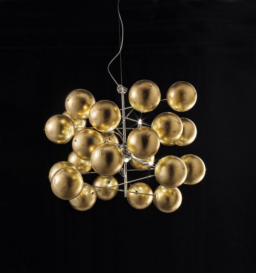 ATOM Ø 80, Chandelier with gold leaf spheres