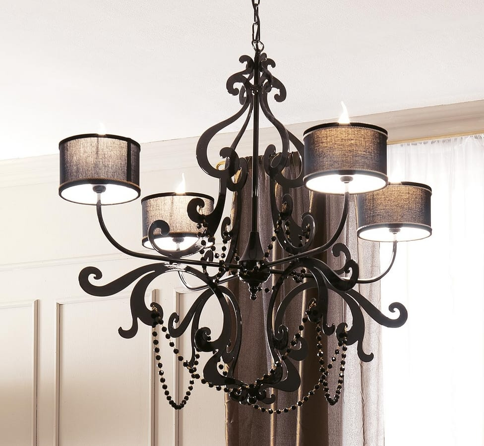 Erika-Roll Art. 1452, Chandelier inspired by the iron classics of ancient castles
