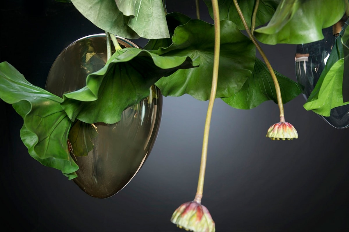 Flower Power Lotus, Chandelier with crystal eggs