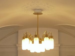 Gold becpoke chandelier, Chandelier ideal for commercial spaces