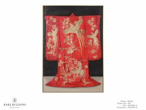 Red Kimono, the tradition of Kyoto - MT618, Artwork with gold leaf decorations