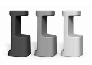 art. Serif-860, Outdoor plastic stools
