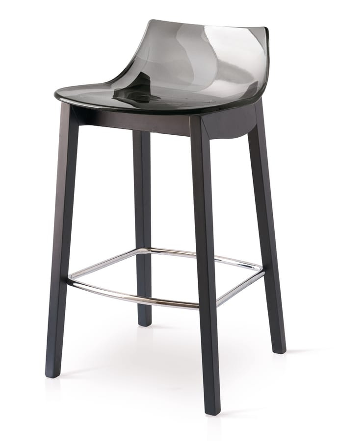 SG 1541, Stool in wood with polycarbonate shell