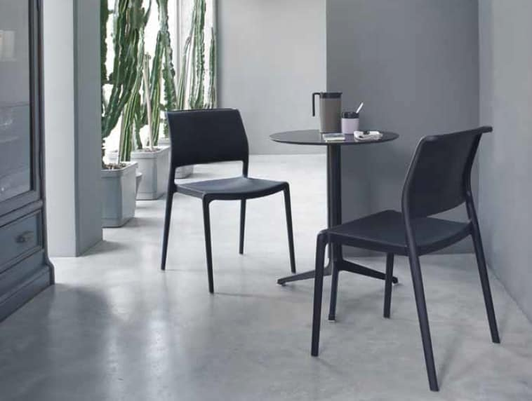 Ara, Stackable chair, made in polypropylene