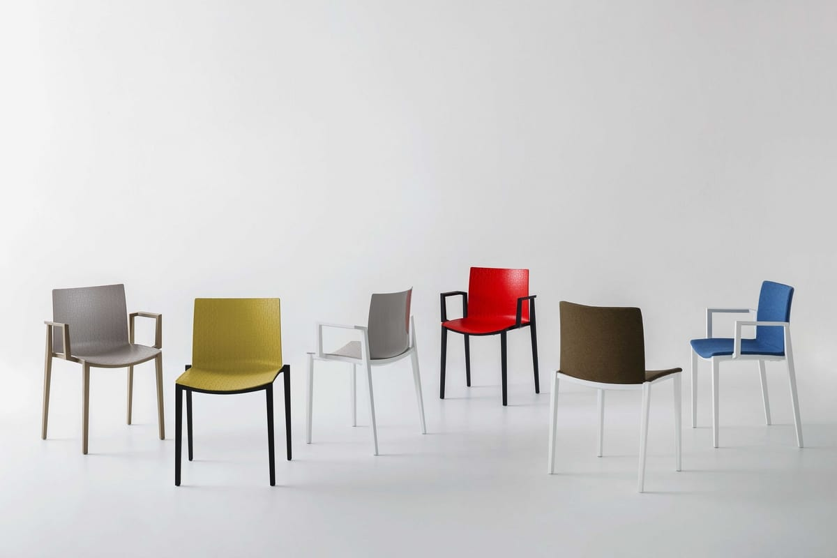 Clipperton, Stackable chair in technopolymer
