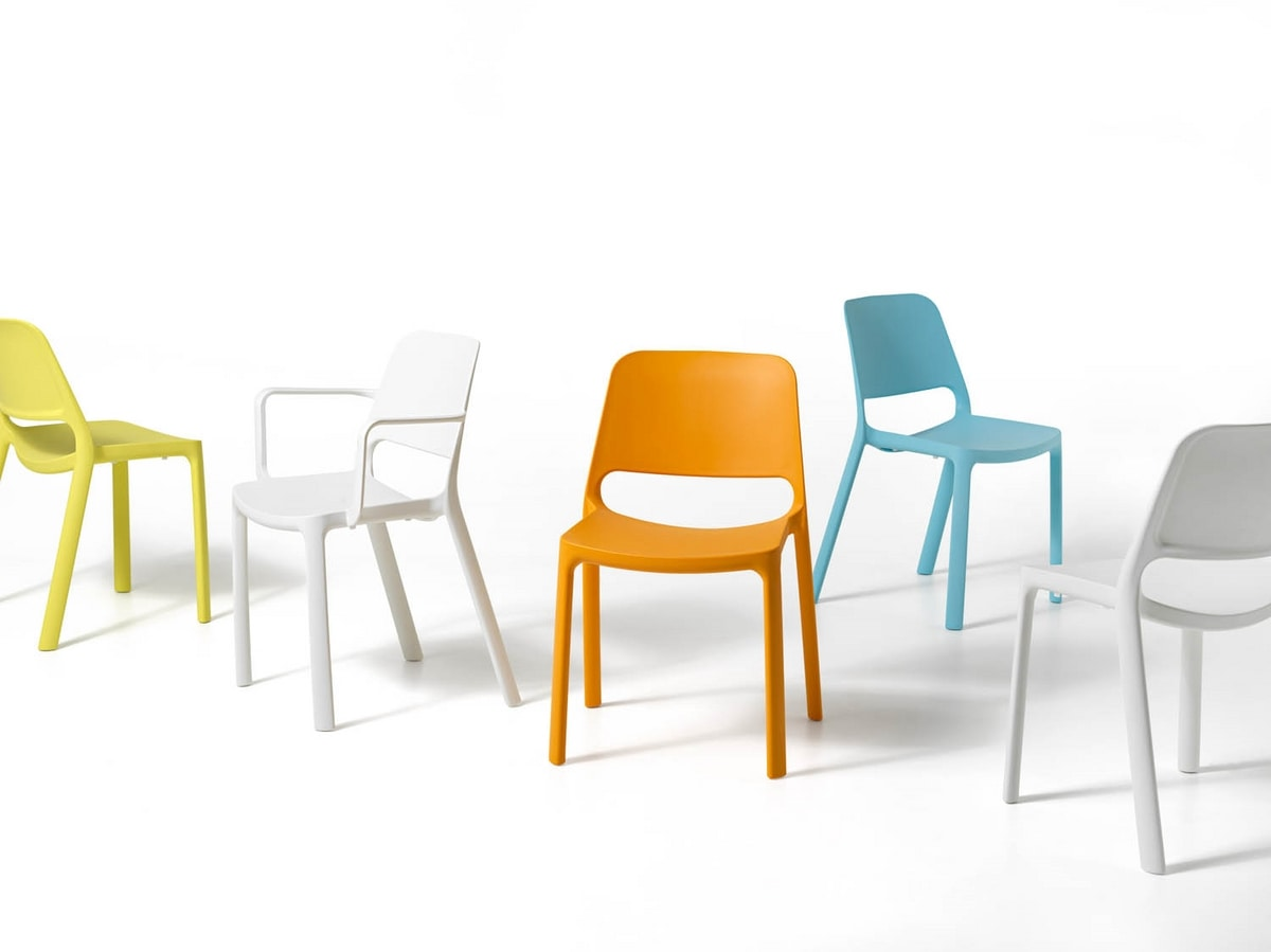 Nuke with armrests, Chair with armrests, in recyclable plastic, stackable