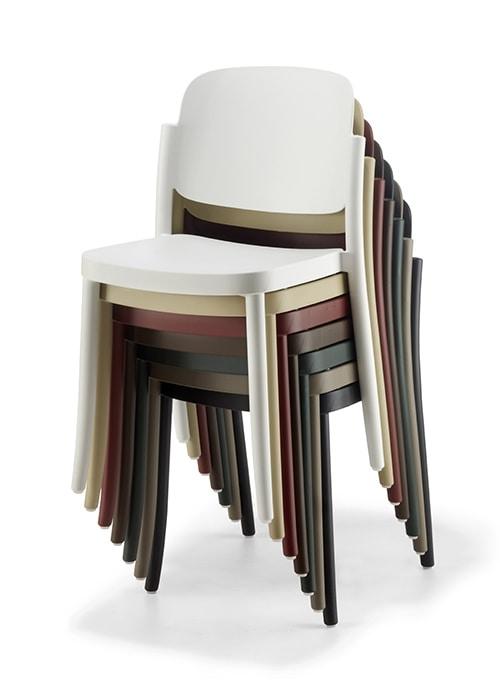 Piazza, Weatherproof plastic chair
