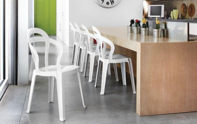 SE 2330, Chair made entirely of transparent plastic, stackable, for cafes and ice cream parlors
