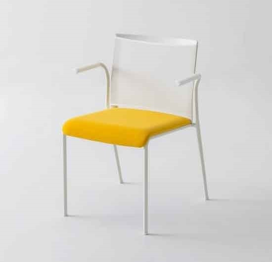 Teckel B, Chair with mesh backrest and armrests