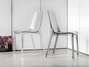 Valery, Stackable chair in transparent or glossy plastic