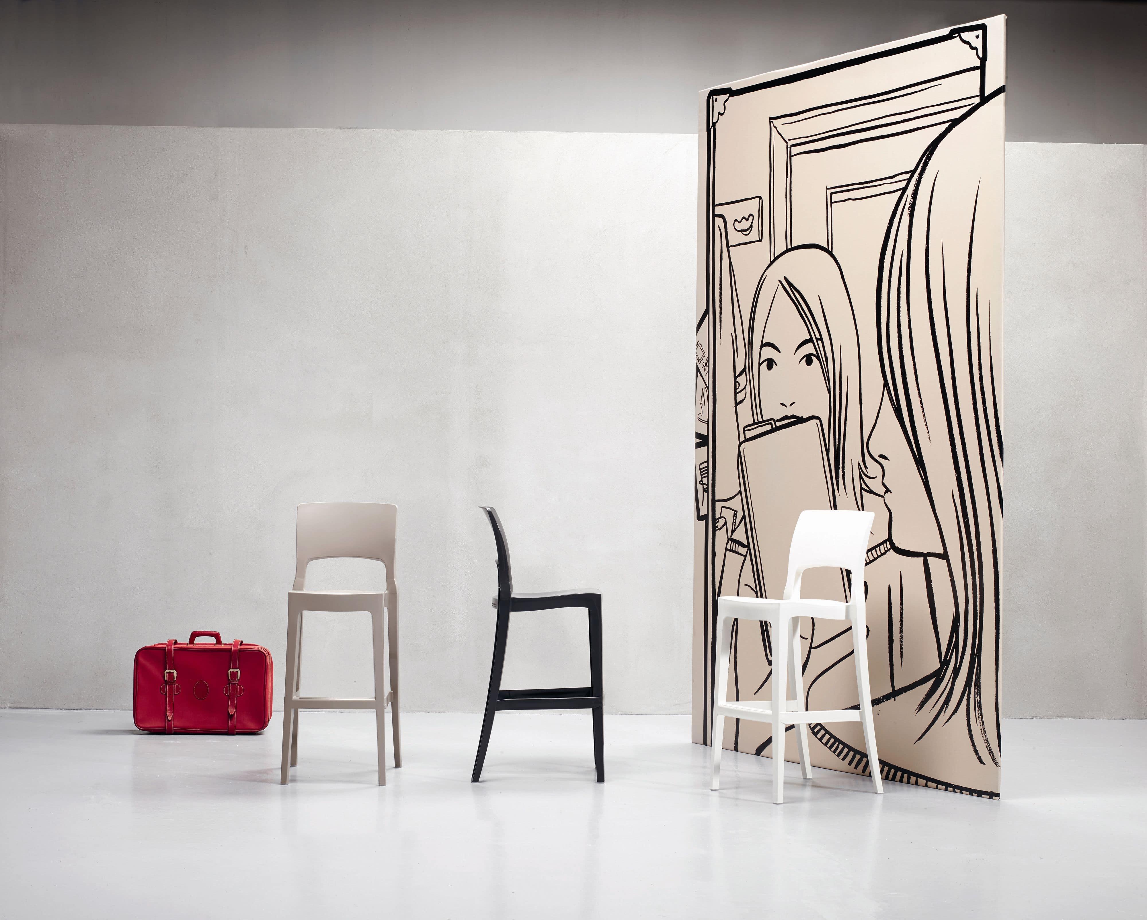Isy barstool, Modern stool in plastic, for bars or home